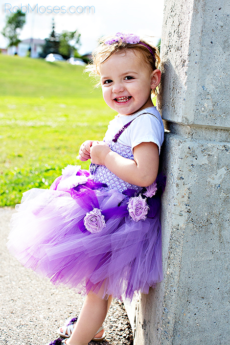 Little Girl 2 - Rob Moses Photography - Calgary Vancouver Seattle - Bokeh Child kid