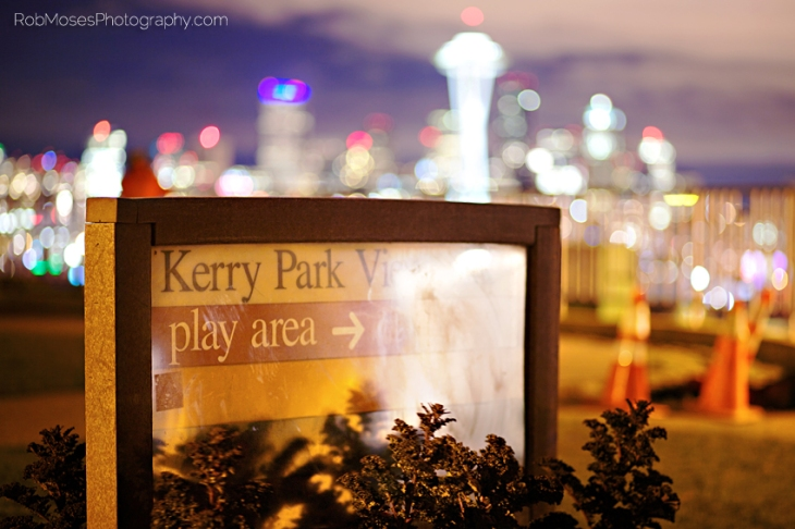 Seattle Washington Kerry Park Sign Skyline bokeh blur balls famous city urban US - Rob Moses Photography Canadian Photographer