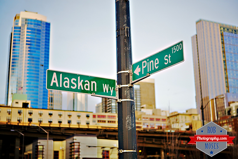 Blog Alaskan Way Pine Street Seattle Washington USA WA famous buildings bokeh America American - Rob Moses Photography - Golden Hour Photographer