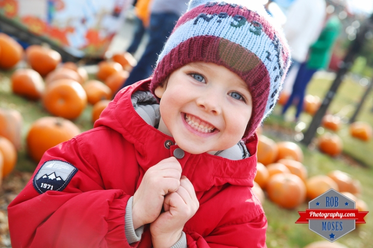 pumpkin boy bokeh Calgary - Rob Moses Photography