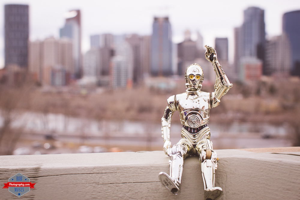 star wars c3po waving toy funny cool awesome tourist skylinbe yyc Rob Moses Photography Calgary Photographer Photographers Native American Famous un celebrity Tlingit Ojibawa Top Popular Best Good Canadian