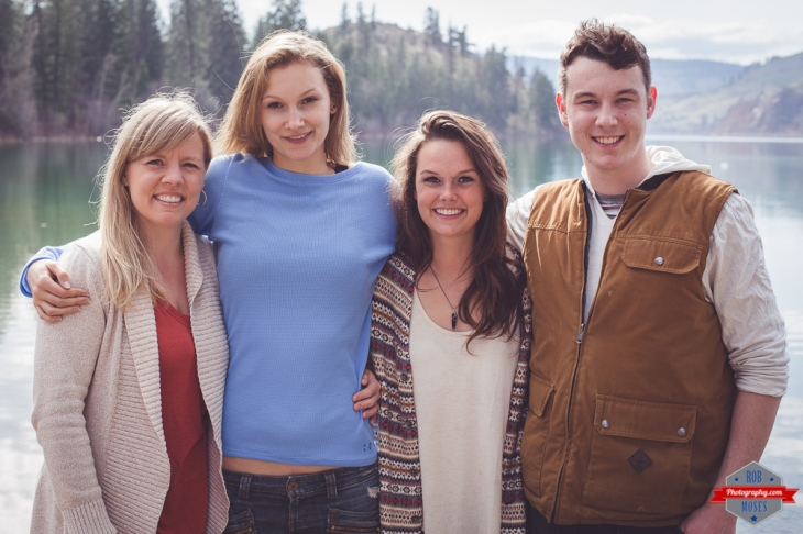 Family Vernon BC Portrait Lake Rob Moses Photography Calgary Photographer Photographers Native American Famous un celebrity Tlingit Ojibawa Top Popular Best Good Canadian-2