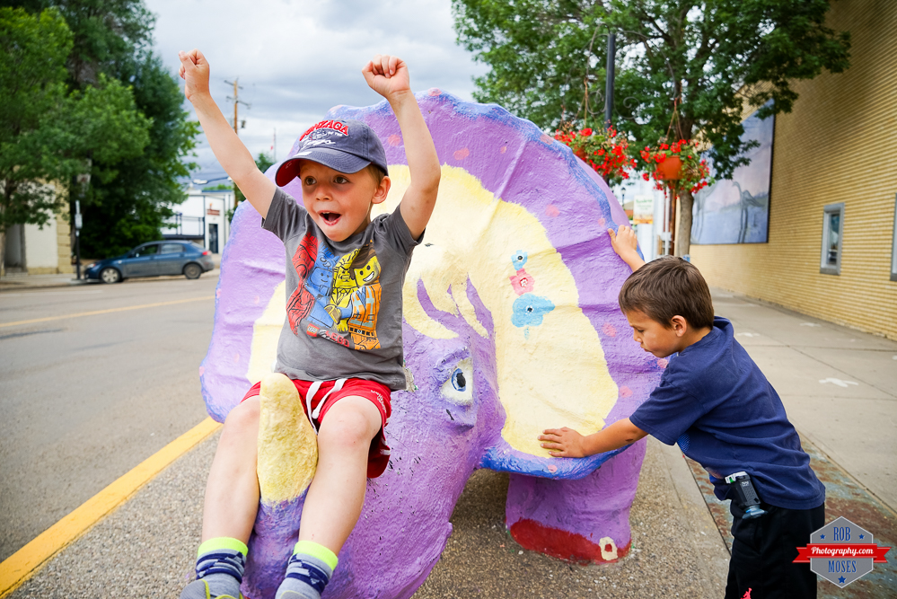 Drumheller Dinosaur Fun kids boys Rob Moses Photography Calgary Photographer Photographers Native American Famous un celebrity Tlingit Ojibawa Top Popular Best Good Canadian-11