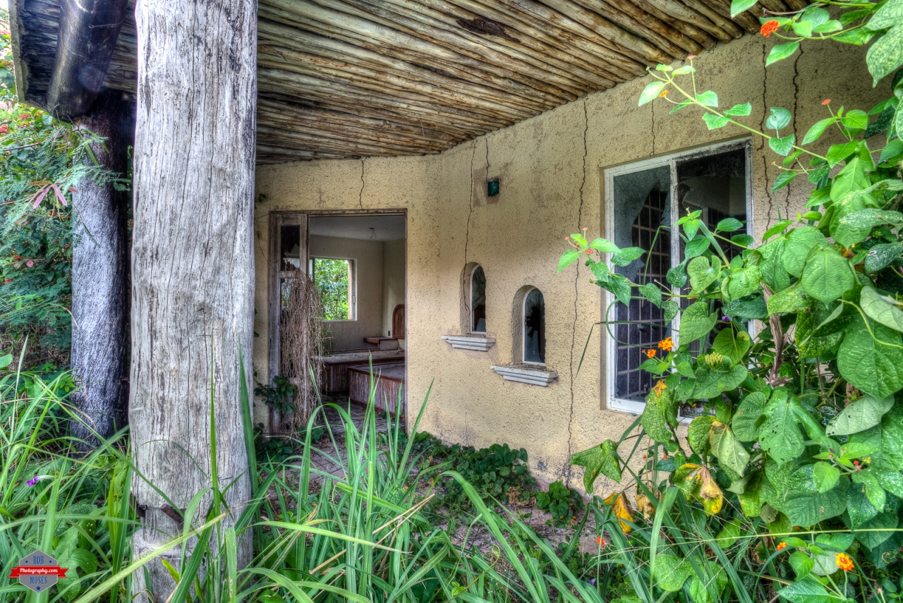 Abandoned Mexico house condo grown over jungle HDR Rob Moses Photography Photographers Native American Famous un celebrity Portland Vancouver Calgary Seattle Tlingit Ojibawa Top Popular Best Good Canadian -3