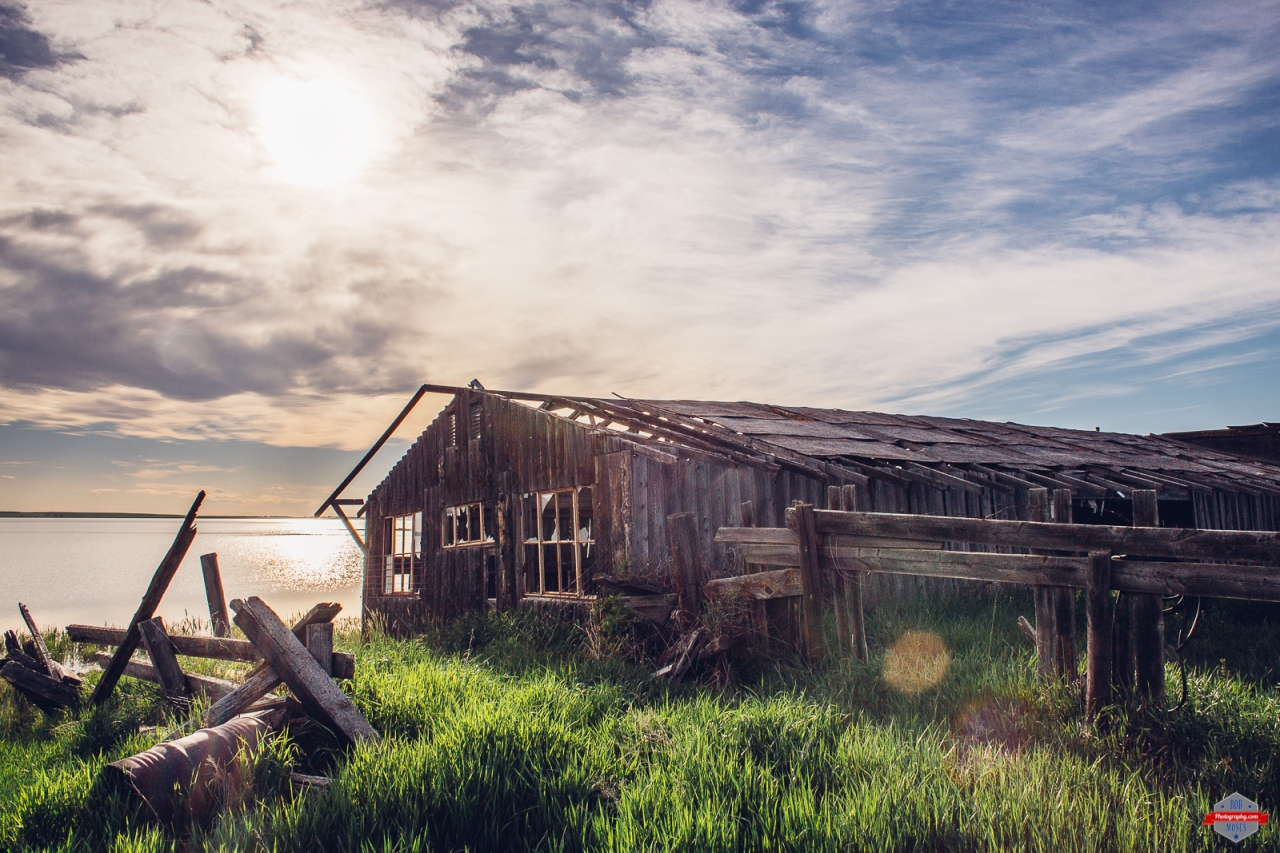 abandoned-farm-lake-front-overgrown-country-alberta-rob-moses-photography-portland-calgary-vancouver-seattle-spokane-photographer-wa-bc-native-american-tlingit-ojibaway-famous-un-celebrity-canadian-be