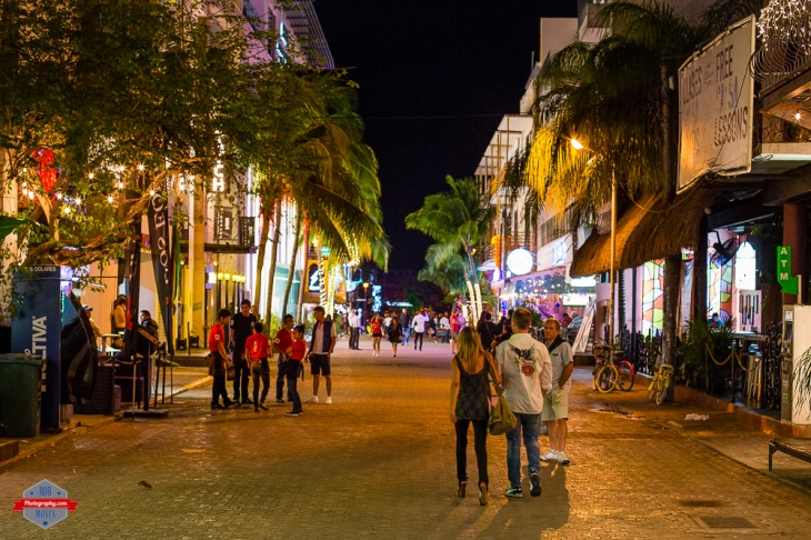 photographer-street-playa-del-carmen-mexico-night-sky-starts-palm-trees-rob-moses-photography-portland-calgary-vancouver-seattle-spokane-photographer-wa-bc-native-american-tlingit-ojibaway-famous-un-c