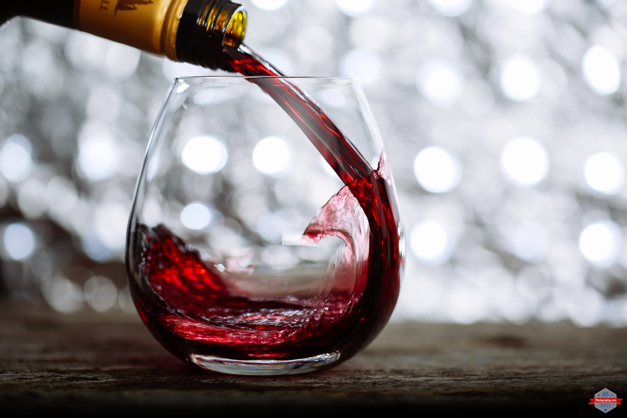 wine-glass-pour-bottle-bokeh-lighting-rob-moses-photography-portland-calgary-vancouver-seattle-spokane-photographer-wa-bc-native-american-tlingit-ojibaway-famous-un-celebrity-canadian-best-pdx